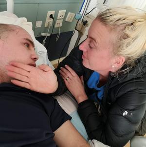 Jocke och Caroline Davidsson har varit ett par under många år och gifte sig under 2016. Nu väntar en annars sorts framtid än den de tidigare hade planerat för.