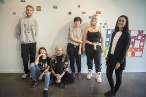 Tvåorna:  Daniel Nordin, Morgan Lutti, Mikaela Palmeby, Emma Nyström, Saga Öholm, Felicia Faller. Nina Peltomäki saknas på bilden.