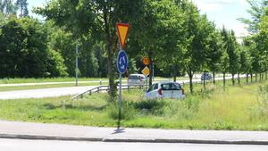 Två singelolyckor inträffade under natten mot söndag i rondellen vid Lidl i Fagersta.