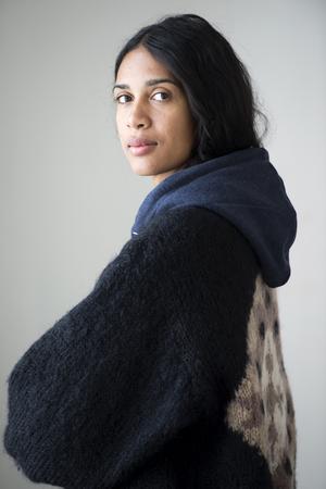 Konstnären Theresa Traore Dahlberg ställer ut på Färgfabriken i Stockholm. Foto: Henrik Montgomery/TT