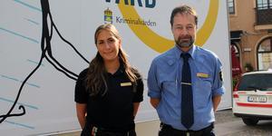 Esma Sternersson och Björn von Born fanns på plats på Stora Torget för att svara på allmänhetens frågor om kriminalvården.