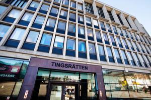 En 24-årig man dömdes under onsdagen till 50 dagars samhällstjänst i Södertälje tingsrätt.