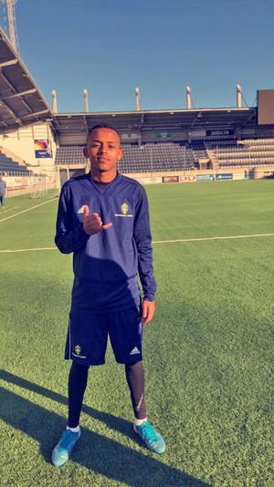 Salim ingår även i Örebro läns fotbollförbunds distriktslag för juniorer. Här en bild tagen i samband med ett regionalt läger. Foto: Privat
