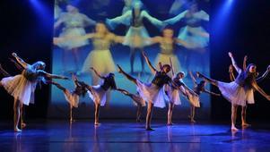 För Kristine Westman Elorza är dansen terapeutisk, något hon vill uttrycka i sina verk. Foto: Robie Törnell