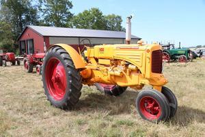 Minneapolis-Moline ZTU 3.0L 4-cyl från 1943.Bild: Bilweb Auctions