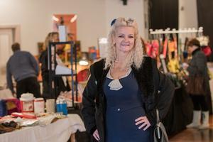 Petra Nyman har åkt ända från Värmdö för att fynda vintagekläder.