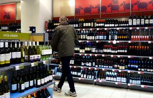 IOGT-NTO-distriktet i Jämtlands län ser riskerna med alkohol och vill göra sprit dyrare.