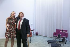 Klara Grönlund och Gabriel Mäkelä under repetitionerna av