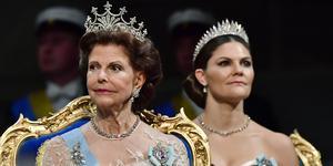 Tv-programmet om de kungliga smyckena fortsätter att få kritik.