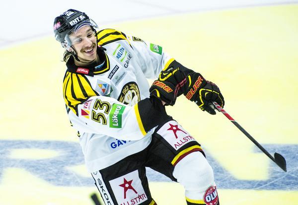 Andreas Thuresson stod för två mål mot Leksand och hade en helkväll när Brynäs vann klassikermötet i premiären 2013. Bild: Simon Hastegård/Bildbyrån
