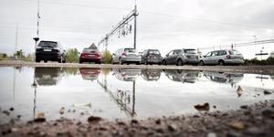 Trafikverket kommer inte längre sköta plogningen av grusplanen bredvid tågstationen i Storvik.