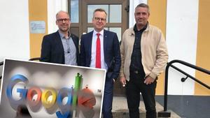 Riksdagsledamot Patrik Engström, näringsminister Mikael Damberg och Avestas kommunalråd Lars Isacsson (S) möttes upp vid Avestas stadshus. Bilden är ett montage.