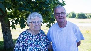 Mona-Lisa och Erland Nilsson har inget emot att grusgropen i Underås bebyggs.