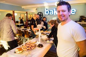 Per-Anton Ångman driver café Cineast i Sveg.