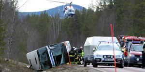 Två år efter den tragiska dödsolyckan söder om Sveg ska nu tingsrätten i Borås fastställa om det är busschauffören som bär skulden för den eller om det var en dåligt skött väg. Bild: Nisse Schmidt / TT