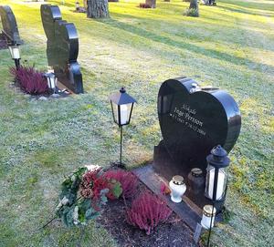 Inge begravdes på skogskyrkogården och vilar bredvid Helena, William och Vendela. Foto: privat