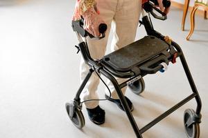 De äldre i Säter behöver allt mer hemtjänst. Det gör att budgeten riskerar att dra över med 745 000 kronor.Foto: Anders Wiklund