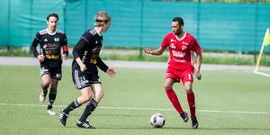 Alexander Awet gjorde två mål i derbyt mot Heby AIF.