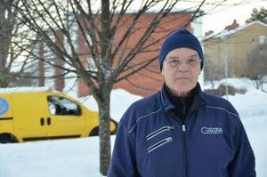 Benny Peterzon på Midälvavägen berättar att de inte fått någon information om att en asbestsanering pågår i deras byggnad.
