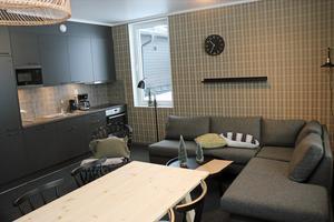 Ett av vardagsrummen  i nya hotellet som har åtta bäddar i varje rum.