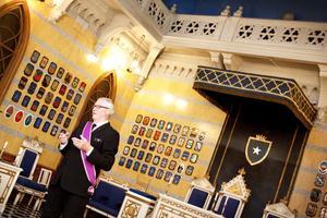 Anders Lené är ordförande för frimurarlogen Polstjernan i Gävle som i år fyller 150 år. Igår berättade han för besökarna om frimurarnas historia och hur man fortsätter att hålla på de gamla traditionerna – som att kvinnor fortfarande inte är välkomna som medlemmar.