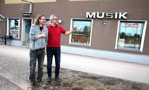 Framtidsdrömmar utan musikaffären väntar Pelle Klockar och Per Ström.
