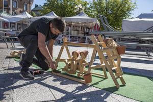 Gepetto's toy manufactory säljer bland annat annorlunda trädgårdstomtar i trä.