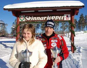Stina Nilsson var kranskulla i Skinnarloppet 2009. Evert Ryen var tävlingsledare redan då. Foto: Sören Haga