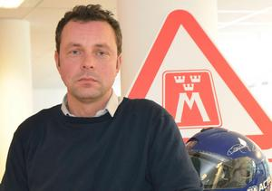 Motormännens Carl Zeidlitz uppmanar den som ger sig ut på vägarna att ta det försiktigt och inte bara förlita sig på att bilen har bra vinterdäck.