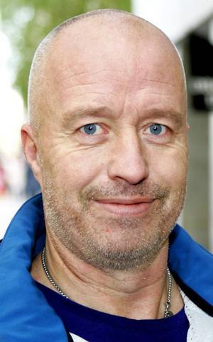 Anders Carlsson,49 år, Frösön:– Jajamän! ÖFK spelar bra och underhållande fotboll. De vinner med 3–0. Jag har sett alla hemmamatcher som har gått på lördagar.