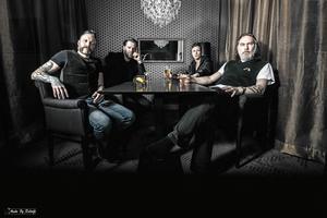 Hårdrocksbandet Mustaschs kommande album Silent Killer är mixat av Oscar Nilsson som kommer från Stöde men som i dag bor i Trollhättan.