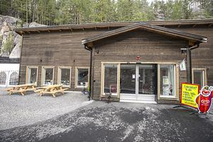 Reception, fik och omklädningsrum finns i anslutning till skidtunneln i Gällö.