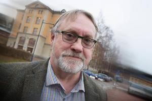 Bo Brännström (L) är från Avesta och gruppledare i landstinget.