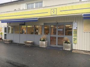 Skärgårdsmacken i Furusund, som nu återigen öppnat.