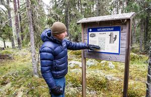 Johan Alexander Lindman III från Naturskyddsföreningen i Ljusdal, här på en bild i skogen i Norra Kallmyr.