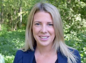 – Vi har fått förfrågningar om bostadsrätter i Djurås, berättar Amanda Allernäs, fastighetsmäklare vid Svensk Fastighetsförmedling.