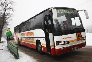 Skolbussarna var betydligt mer pålitliga när Petterssons Buss körde, anser skribenterna.