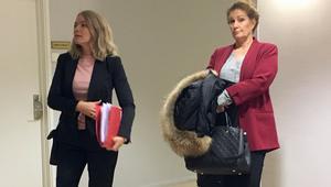 Kvinnans försvarare, advokat Maria Wilhelmsson, till höger var inte imponerad av vad kammaråklagare Anna Asklöf, till vänster, hade att komma med i bevisväg.