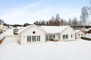 Denna femrumsvilla på Galgberget i Falun fick 5 220 klick på Hemnet under förra veckan, vilket gav en tiondeplats på Klicktoppen, sett till hus i Dalarna. Foto: Patrik Persson
