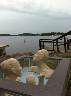 Maria Erikssons skulpturer på plats i miljö. Bild: Maria Eriksson