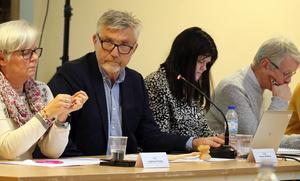Kommunfullmäktiges ordförande Stiven Wiklund (S) vill inrätta en visselblåsarfunktion där medborgare och medarbetare anonymt kan anmäla om de upplever att det förekommer oegentligheter bland kommunanställda i ledande ställning.