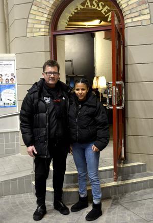 Fotbollstränaren Lennart Lummi plockade upp Mimmi med sin minbuss. Sedan dess har hon spelat fotboll i SDFF Plus.