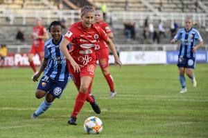 Emma Kullberg kom till Kif Örebro från Kungsbacka inför årets säsong. Hon har tdigare spelat allsvenskt med Umeå och Vittsjö.