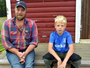 Pappa Emil Bengtsson med sonen Petter Bengtsson, från Stugun.