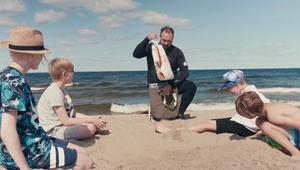 Stillbild från en av Ica Bommens filmer.