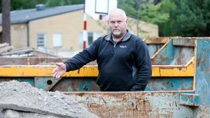 Björn Jonsson arbetar med att sanera miljögifter på Majtorpskolan.