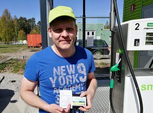 Erik Andersson är premiärtankare och den person som sett till att Näsviken har fått sin egen bränslemack.