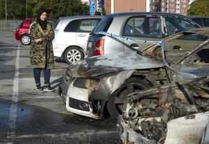 Nesrin Alqabbani, som har bott i Nacksta i hela 16 år och tycker att det är bilbränder så gott som varje år.