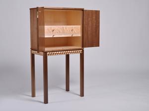 För det här vackra skåpet i 50-tals stil belönades Robin Lundqvist med ett gesällbrev och silvermedalj.