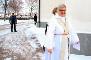 Margareta Carlenius på väg in till familjemässan.